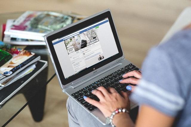 Webinar with social media